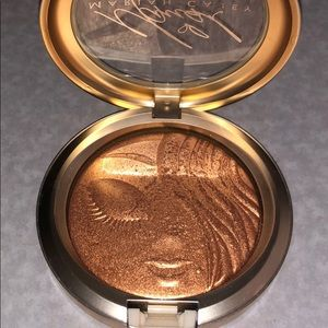 Mac extra dimension skinfinish in My Mimi